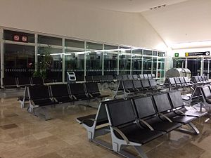 Tuxtla Gutiérrez International Airport - Last waiting hall at the Airport.