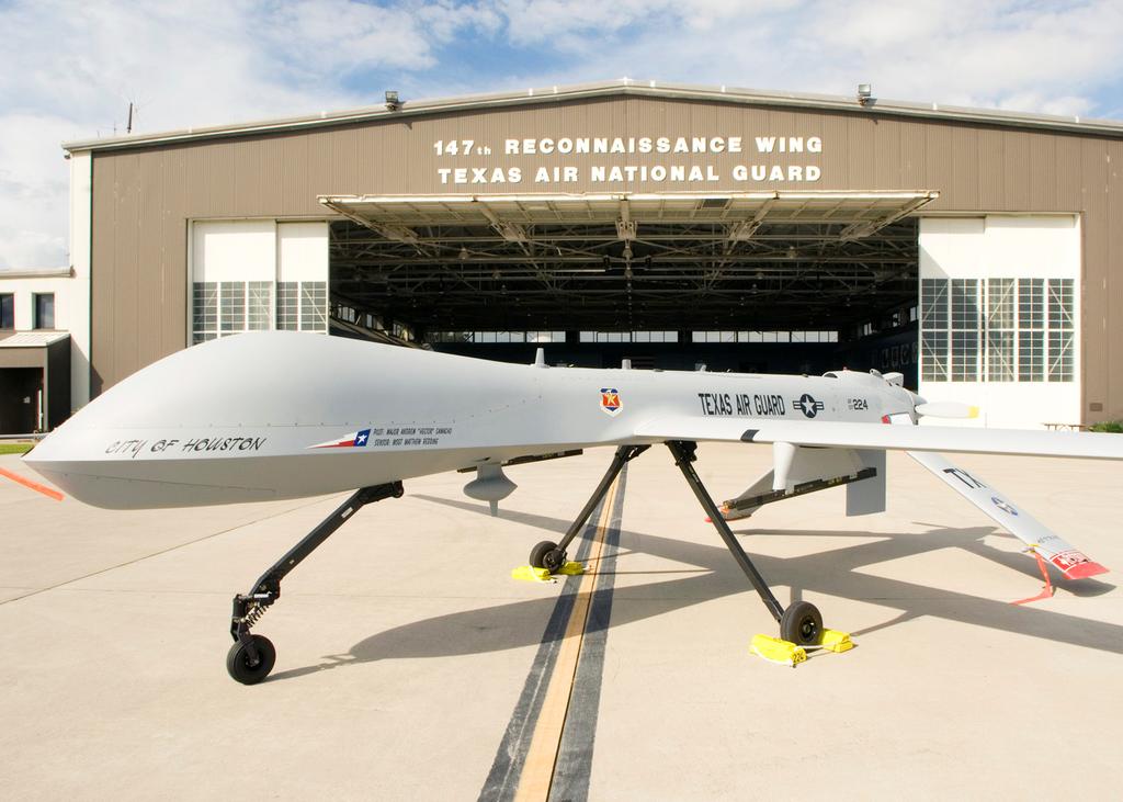 File:MQ-1B Predator - 147th Reconnaissance Wing - Ellington Field ...