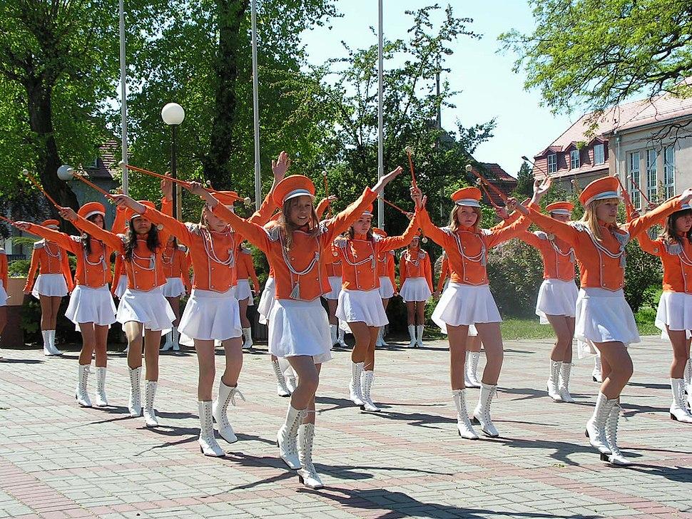 Mażoretki orkiestry dętej z Głogowa