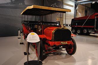 Mack Trucks - Early bus