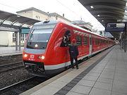 Mainzer Hauptbahnhof- auf Bahnsteig zu Gleis 2- Richtung Worms (Hochsteg) (RE 612 504-1) 8.3.2009