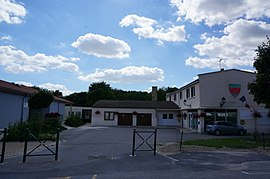 The town hall and school in Livry-Louvercy