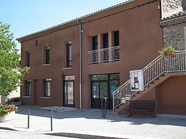The town hall in Vion