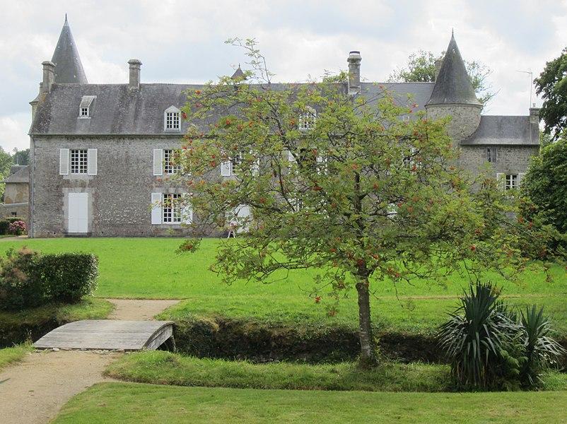 Maison de fr:Montcuit et ses jardins