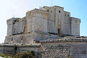 Fort San Lucian - Image: Marsaxlokk stlucianstower 237