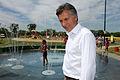 Mauricio Macri presentó los nuevos juegos de agua en el Parque Indoamericano (8471736020).jpg