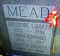 Mead Family Grave Orlando 2012.jpg