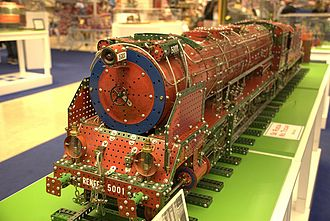 Meccano - A model steam locomotive built with Meccano