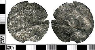 Mazer (drinking vessel) - Image: Medieval mazer mount (Find ID 287607)