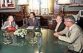 Menem recibe al presidente del Instituto de Estudios Históricos Rosas.jpg