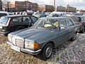 Mercedes-Benz 200 D (6889248783).jpg