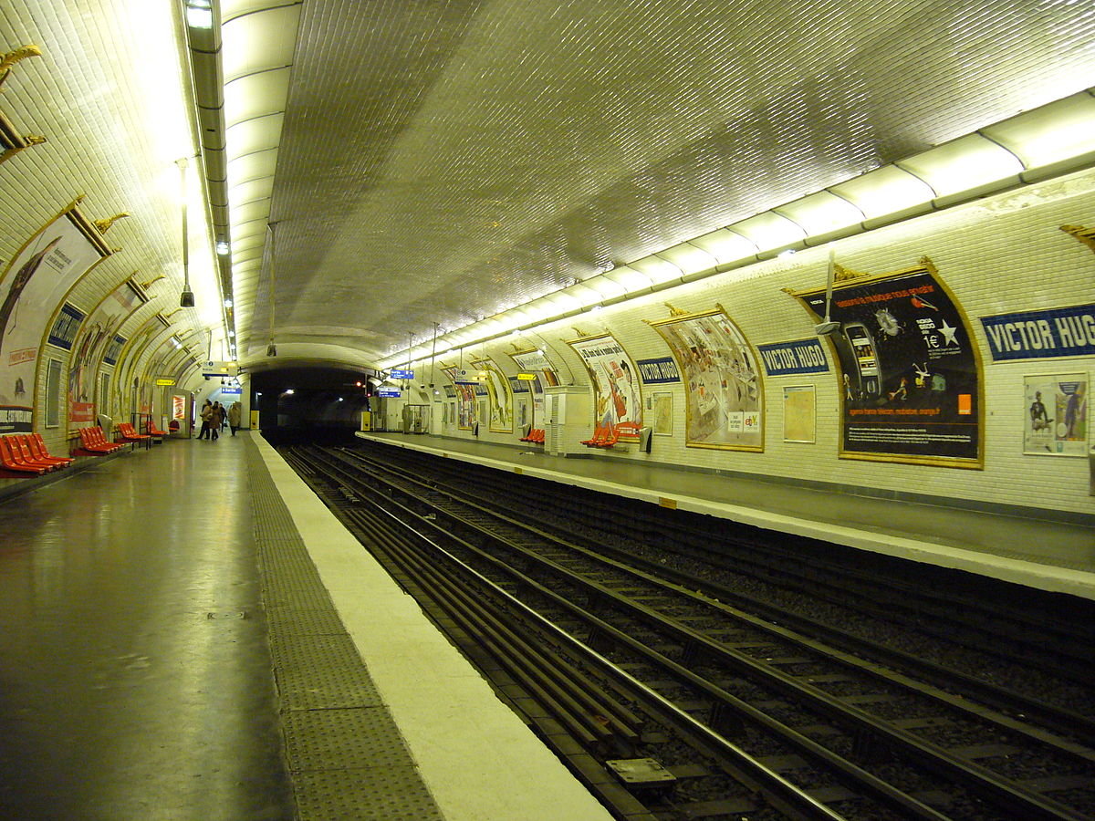 Victor Hugo (Paris Métro) - Wikipedia