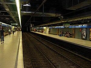 Sagrada Família (Barcelona Metro) - Image: Metrosagradafamilial 5
