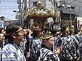 Mikoshi in streets Sanja Matsuri 2006.JPG