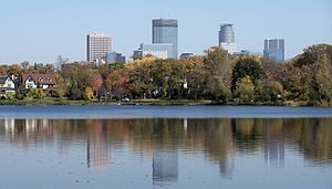 Minneapolis and Lake of the Isles 7.jpg