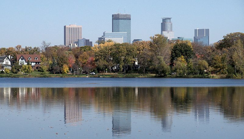 File:Minneapolis and Lake of the Isles 7.jpg