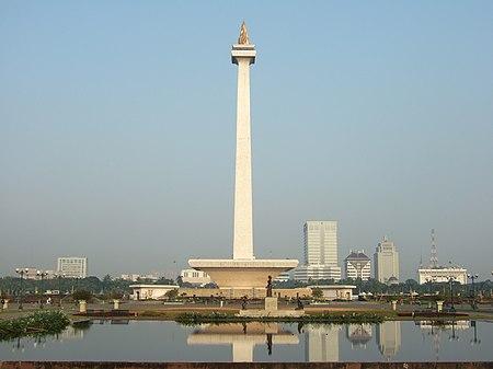 Monas view from Gambir Bus Terminal.JPG