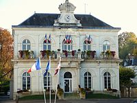 Montbazon - Mairie.JPG