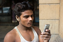 Mumbai Construction worker cellphone November 2011 -47.jpg