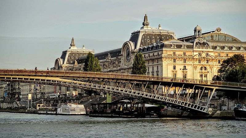File:Musée d'Orsay - Passerelle de Solférino.JPG
