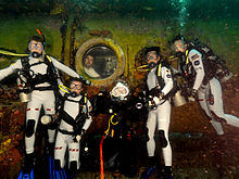 NEEMO 16 crew at Aquarius.jpg
