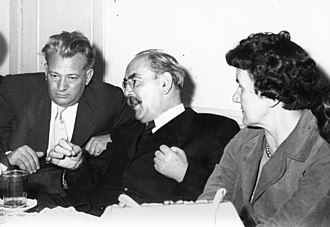 Imre Nagy (center) in October 1956 Nagy Imre fortepan 74215.jpg