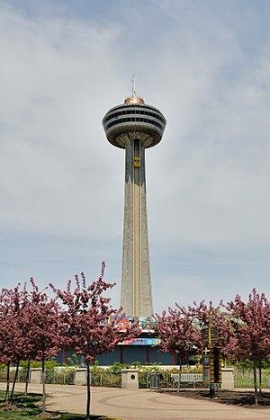 Deutsch: Niagara Falls: Skylon Tower.