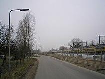Nieuwe-Houtenseweg-plus-spoorweg Utrecht Nederland.JPG