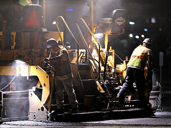Night paving 11 paving close.jpg