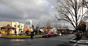 Woodburn, Oregon - Image: OR Woodburn square