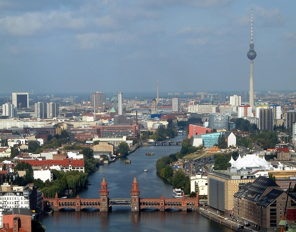 Oberbaumbruecke beim Berliner Osthafen cropped