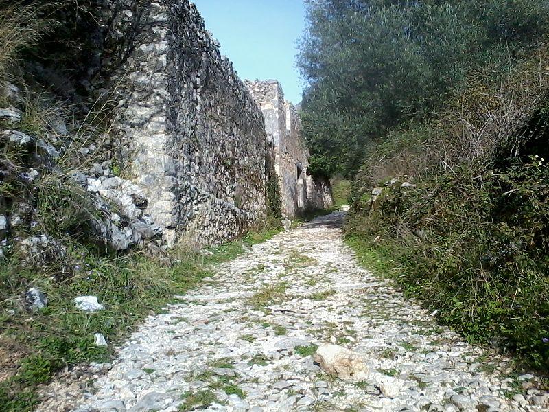 File:Old Valsamata ruins, Kefalonia 07.jpg