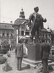 Otkrivanje spomenika Žarku Zrenjaninu