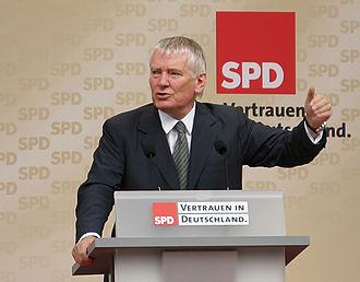 Second Schröder cabinet - Image: Otto Schily MUC 20050910 02
