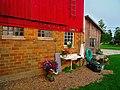Outside the Bennett Barn - panoramio.jpg