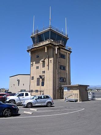 Oxnard Airport - Image: Oxnard airport tower