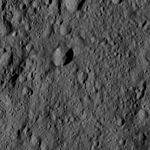 PIA20870-Ceres-DwarfPlanet-Dawn-4thMapOrbit-LAMO-image148-20160527.jpg
