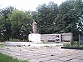 PICT1799 Братська могила 2 світової війни радянських воїнів. Поховано 247 воїнів.Радянських окупантів в 1918 105 чоловік.jpg