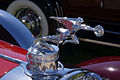 Packard Phaeton 1929 640 Custom Eight HoodOrnament Lake Mirror Cassic 16Oct2010 (14877175945).jpg