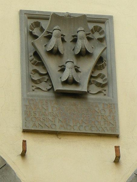 Archivo: Palazzo Tafani da Barberino, stemma barberini.JPG