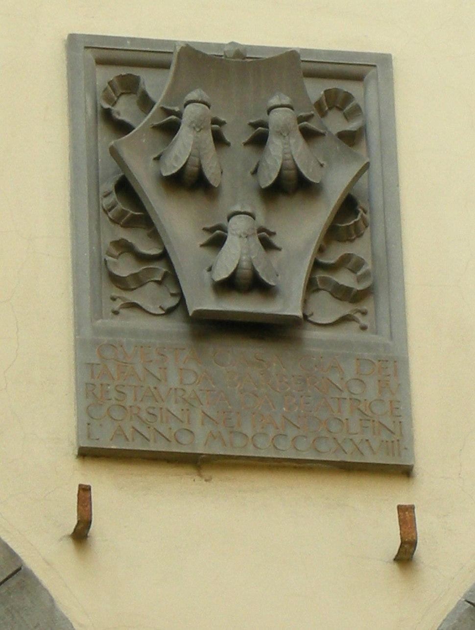 Palazzo Tafani da Barberino, stemma barberini