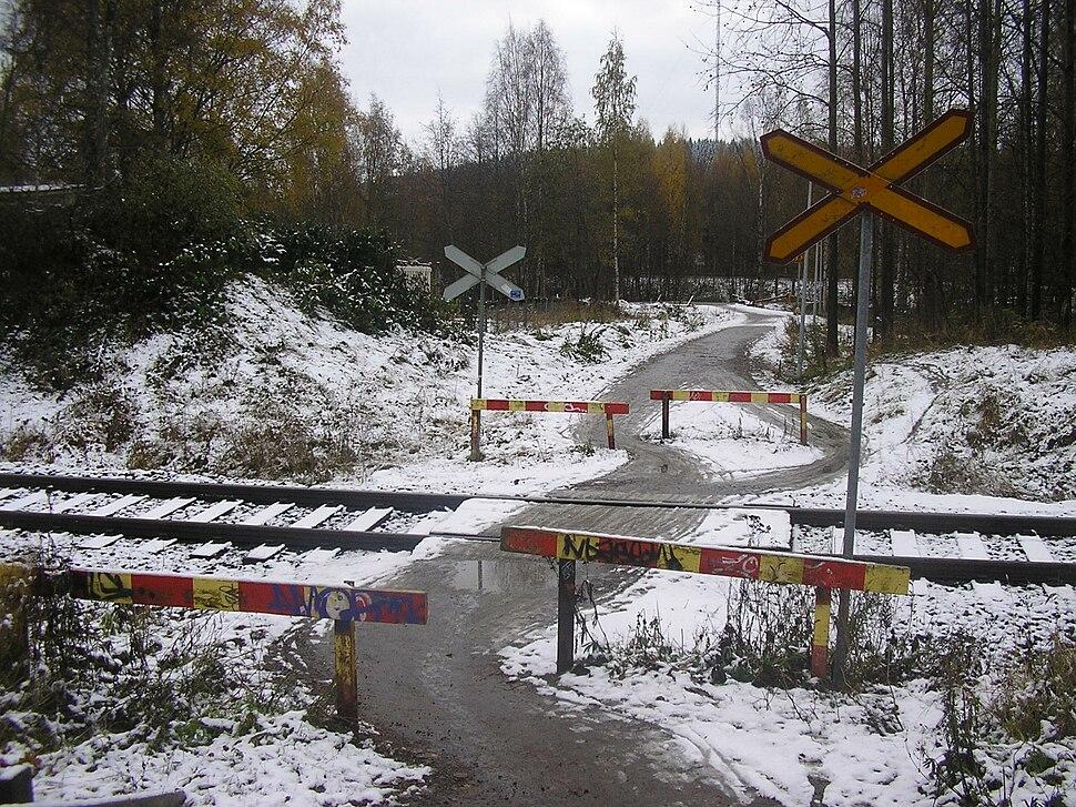 Pedestrian crossing on Haapamäki–Jyväskylä-track