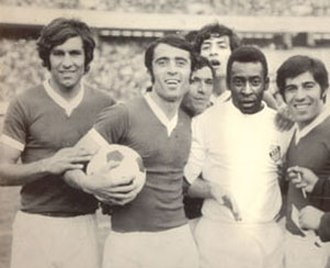 PAS Tehran F.C. - Pas players with Brazilian legend Pelé, after a friendly match against Santos