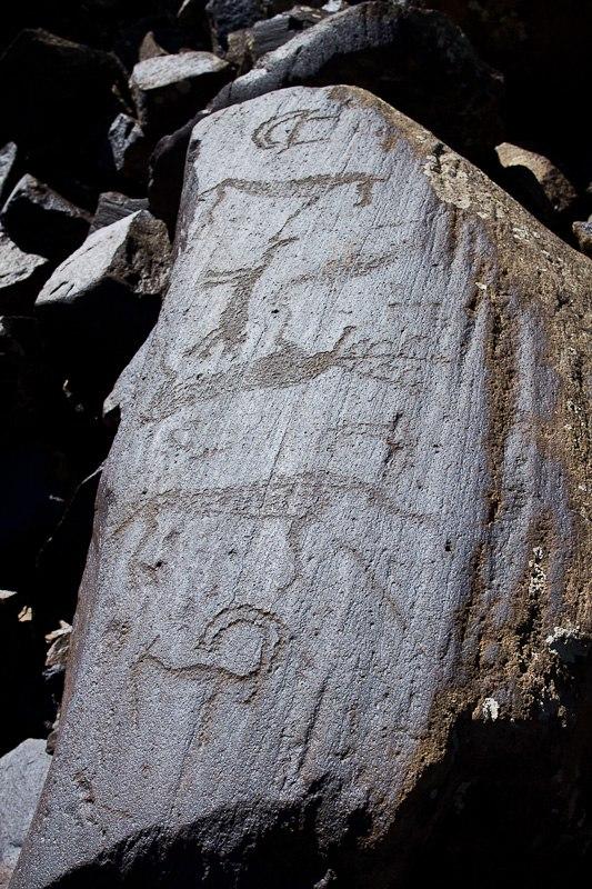 Petrogliph-Ughtasar-Armenia2