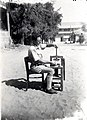 PikiWiki Israel 1192 Agriculture in Israel הוצאת שמן הדרים מקליפת תפוזים.jpg
