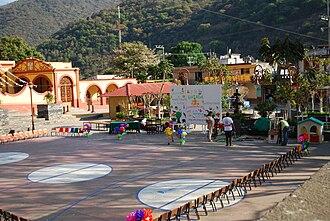 Pinal de Amoles Municipality - Main plaza in Ahuacatlán de Guadalupe