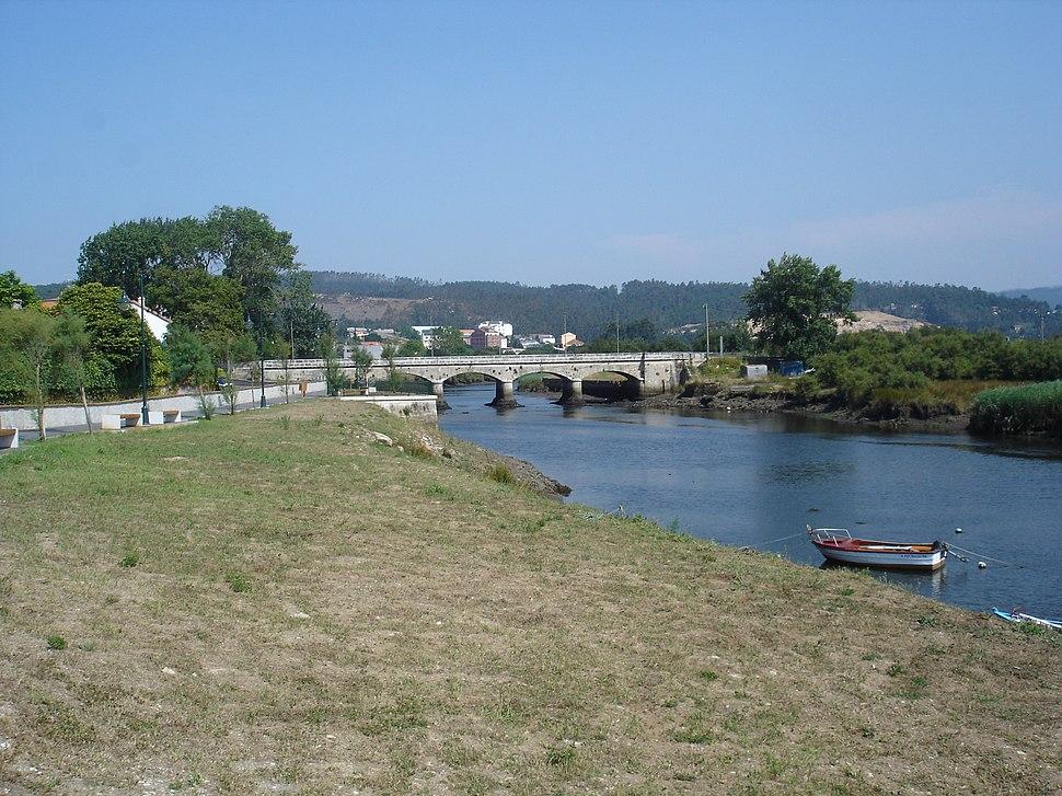 Ponte sobre o río Anllóns