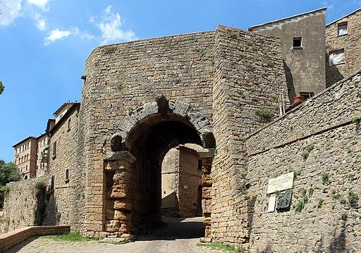 Porta all'Arco (Volterra)