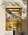 Postbox in Loutraki 02.jpg