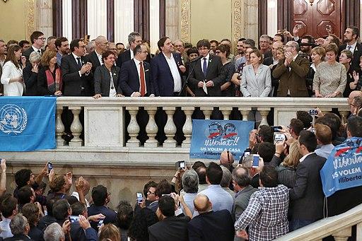 """President Puigdemont, """"Ciutadans de Catalunya, vénen hores en què a tots ens pertocarà de mantenir el pols del nostre país"""" 02"""